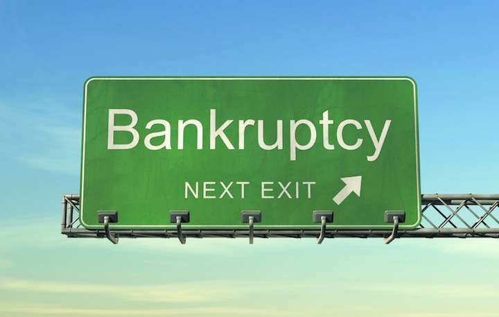 Article_landing_bankrupt_sign_7459
