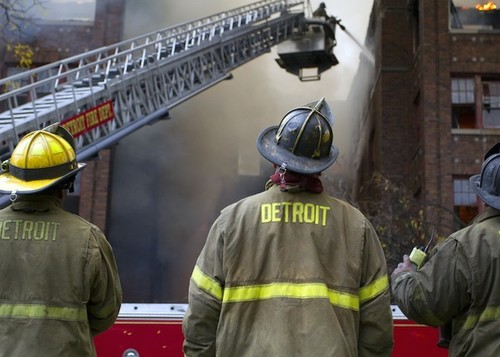 Featured_firefighters-w.-chicago_1334-1000x666_14686